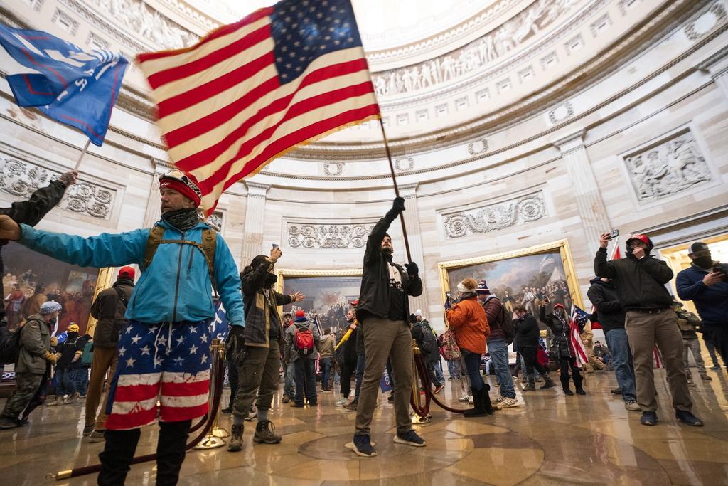 Manifestants dans le capitole